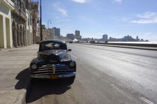 Kuba,Havana,jūra,naršyti,banga,purkšti,oldtimer,Chevrolet,saulė,karibai,tropikai,kai,siena,automatinis,žmogus,mėlynas,transporto priemonė,kubos,egzotiškas,atogrąžų,linksma,ispaniškas,egzotizmas,Latino ispaniškas,miestas,gyvenimo džiaugsmas,kelionė,kelias,boulevard,šventė,juoda,malecon,namai,Promenada,dangas,bankas