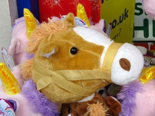 žaislas, žaislai, minkštas, linksma, ponis, poniai, arklys, arkliai, gyvūnas, gyvūnai, linksma, laimingas, vaikas, vaikai, vaikas, vaikai, žaisti, žaidimų aikštelė, linksma ponis žaislas