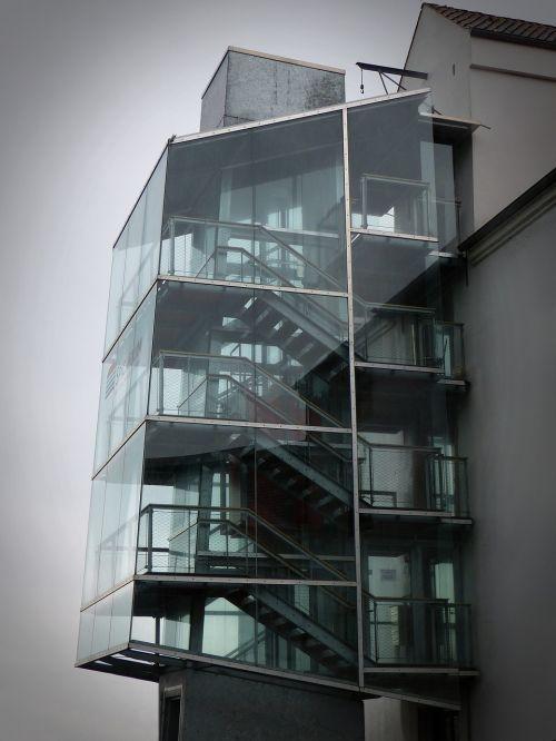 auginimas,architektūra,Liftas,liftas,laiptai,laiptinė,stiklas,plienas,geležis,pastatas