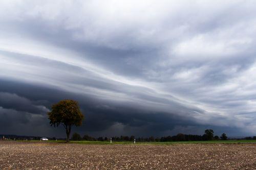 cumulonimbus,audros medžioklė,meteorologija,griauna,audra,lentynos debesys,škvalo linija,ruduo,arkus,įvedimas,dramatiškas,atmosfera,tamsūs debesys,cloudscape,dramatiškas dangus,audros debesys,priekinis garsas,debesys priekyje