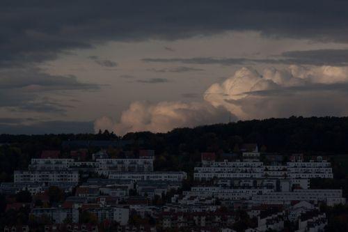 cumulus,debesis,kubo debesys,debesys formos,debesys,debesys krūva,vakaras,twilight,atsiskaitymas,namai,pastatas,Uždaryti,būsto trūkumas,zonavimas,nuolydis,ulm