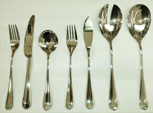 stalo įrankiai,peilis,šakutė,šaukštas,valgyti,metalas,sidabras,Cromarganas,padengti,stalo danga,stalo įrankiai,gastronomija,Iš arti,blizgantis,blizgesys,poliruotas