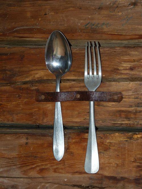 stalo įrankiai,šaukštas,šakutė,senas