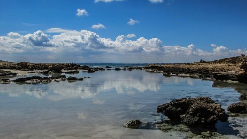 Kipras,uolos pakrantė,jūra,dangus,debesys,atspindys,horizontas,pakrantė