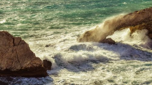 Kipras,ayia napa,ruduo,audringas,oras,bangos,purkšti,putos,nerami jūra,kraštovaizdis,Viduržemio jūros,uolos pakrantė,pakrantė,uolienų formavimas,meilužio tiltas,sala