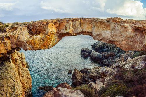 Kipras,cavo greko,korako tiltas,kraštovaizdis,Rokas,erozija,geologija,formavimas,gamta,jūra,mėlynas,vasara,turizmas,ekskursijos