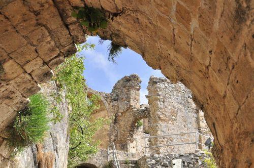 Kipras,Šiaurės Kipras,pilis,sugadinti,seni pastatai ir statiniai