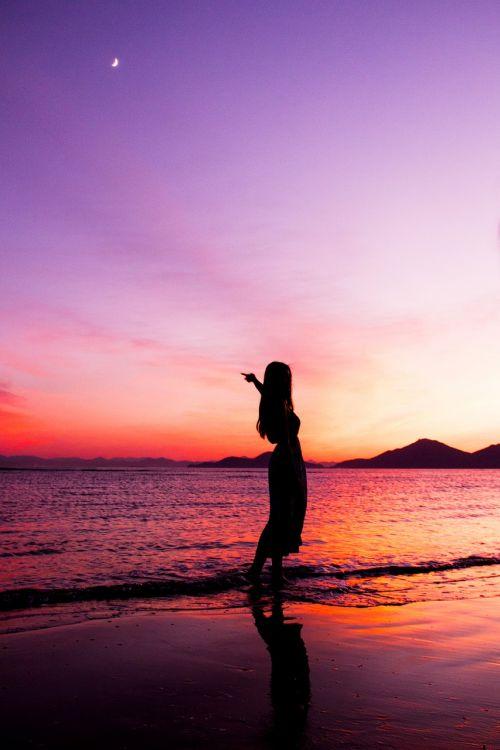 dadaepo paplūdimys,Busan jūra,jūra,papludimys,moteris,siluetas,moterų,saulėlydis,twilight,švytėjimas,nakties jūra,kraštovaizdis,naktinis paplūdimys,Korėjos Respublika,švytėjimo jūra