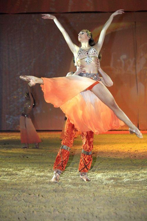 šokis,moteris,Rodyti,rytas,moterų grožis,grožis,spalva