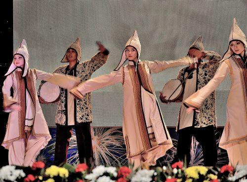 šokis,kazacho šokis,scena,choreografija,menas,pramogos,etnografija,kultūra