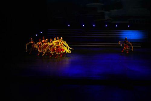šokis, šokėjai, spektaklis, etapas, atlikėjas, pramogos, šokių spektaklis