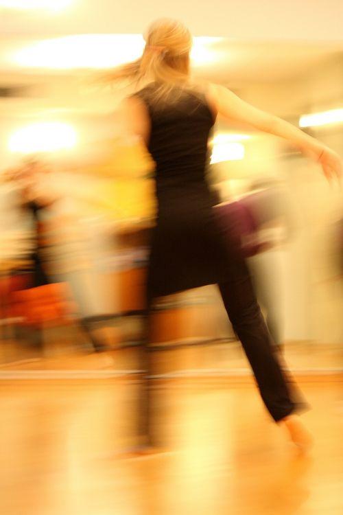 šokiai,šokėjai,judėjimas,šokis,moterys,fitnesas,aerobika
