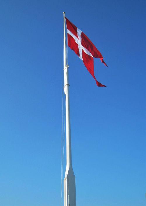 Danijos vėliava,flagpole,geflaggt,denmark,danish,vėliava,Tautinė vėliava,mėlynas dangus,mojuoja vėliava,tipiškas Danijos vėliava,tipiškas denmarkas,vėliava su vėliava,vėliavos lazdele,raudona ir balta