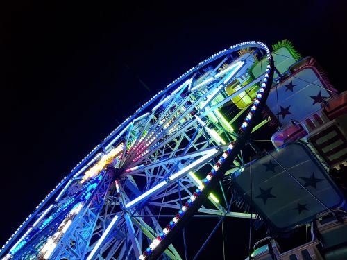 tamsi,naktis,pramogos,parkas,važiuoja,Ferris ratas,karnavalas,pramogos,dangus