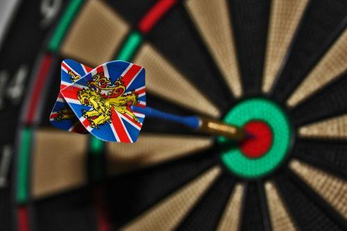 smiginis,taikinys,Bulio akis,pristatymas,žaisti smiginius,lazdelė,rodyklė,žaisti,softip dart,juodoje,Anglija