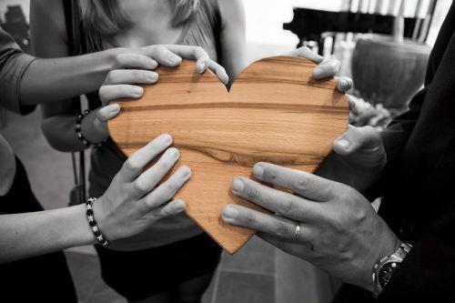 mirtis,meilė,širdis,romantika,širdis,širdis,medinė širdis