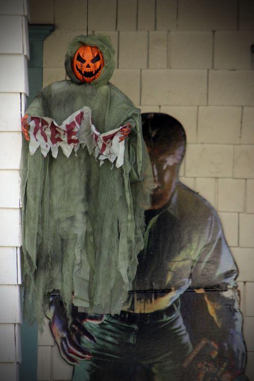 mirtis, Halloween, apdaila, kabantis, creepy, baisu, siaubas, žmogus-vilkas, priekinis & nbsp, verandas, namas, šventinis, šventė, ruduo, kritimas, sezoninis, sezonas, mirtis Halloween apdaila