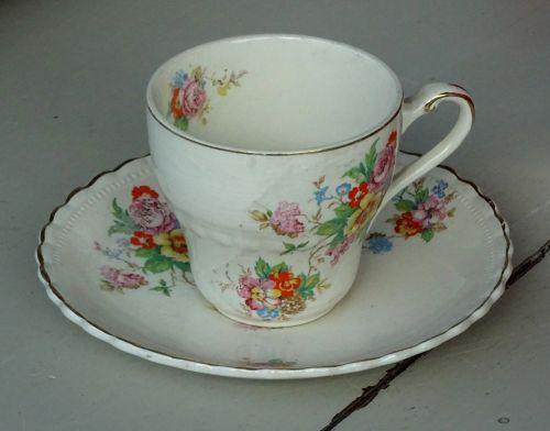 arbata, arbata, kava, kavos, taurė, puodeliai, lėkštė, lėkštės, gerti, gėrimai, atsipalaiduoti, atsipalaiduoti, atsipalaidavimas, indai, pertrauka, dekoratyvinis arbatos puodelis ir lėkštė