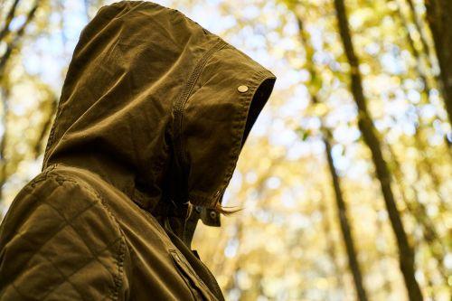 depresija,vienatvė,žiema,ruduo,drabužiai,liūdnas,tik,emocinis,liūdesys,geltona,vienas,gražus,šaltas,gamta,sielvartas,dramatiškas,melancholiškas,moterų,poveikis,jaunas,miškas,medžiai,savižudis,žmogus