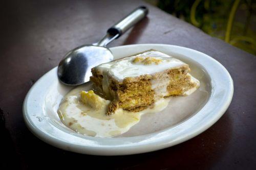 desertas,saldus,maistas,skanus,skanus,cukrus,grietinėlė,skanus,valgyti,užkandis,gimtadienis,šventė,vaisiai,šviežias,kepiniai