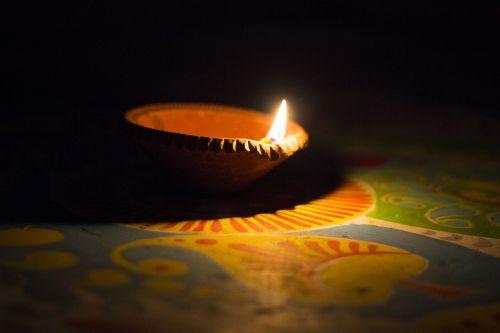 dia,dya,giliai,juoda,šviesa,tamsi,tamsi ir lengvi,dizainas,naktis,alpana,alpona,бенгальский,Indija,švytėjimas,šviesus,apdaila,spalva,šviesos efektas,šventė,blizgantis,Bokeh,šventinis,šventės fonas,šventinis fonas,atostogų fonas,Diwali,deepavali,skubėti lempa,lempa,hurrylamp,uragano lempa,kalipuja