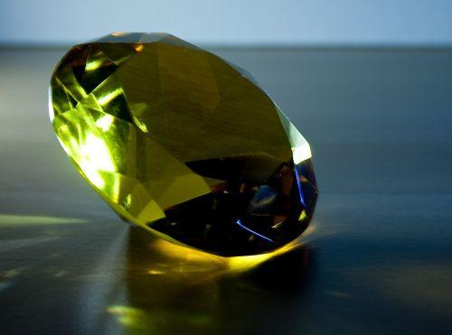 deimantas,šviesa,spindesys,mėlynas,kilnus,skaidrus,makrofotografija,atspindys,blizgantis,geltona,auksas