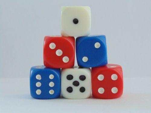 kauliukai,azartiniai lošimai,tikimybė,kazino,žaidimas
