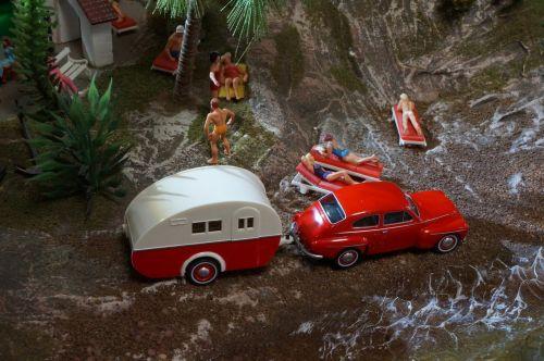 dioramas,modelio traukinys,modelio geležinkelis,modelis automobilis,skaičiai,papludimys,kemperis,šventė,italy