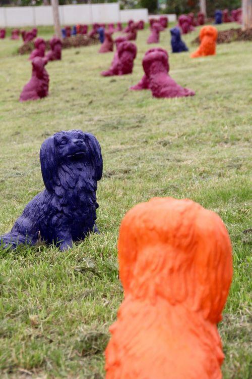 šunų parkas,menas,apdaila,šunys,molio figūros,skulptūra