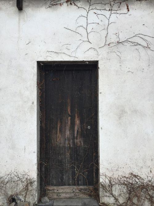 durys,balta,kontrastas,senas,mediena,įėjimas,balta siena,kanibalai,teigiamas,pastatas