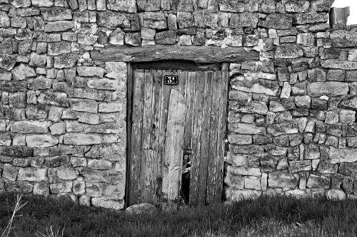 durys,senas,lankas,fonas,tekstūra,senoji mediena,geležis,dėvėti,soledad,porticón,namai,mediena,erdvė,užraktas,pjaustytas,Tūzus,įvestis,namas,atviras,balta,juoda,laukas,atsisakymas,paliktas,laikas,akmenys,juoda balta,kontrastas,gamta,uždaryta,numeris
