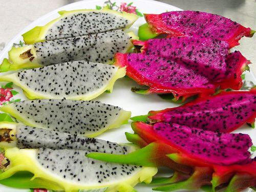 Drakono vaisius,šviežias,atogrąžų,pitahaya,maistas,mityba,gabaliukai,valgomieji,pitaya,spalvinga,augalas