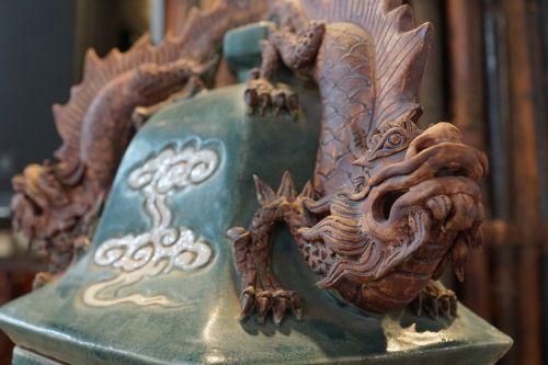 drakonai,figūra,kinai