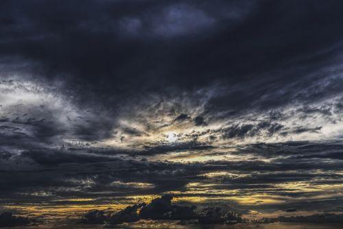 dramatiškas,debesys,dangus,dramatiškas dangus,nuotaika,oro temperamentas,debesys formos,dramatiški debesys,atmosfera,gražus,tamsūs debesys,dramos,Persiųsti,kraštovaizdis,audros debesys,grasinanti,audra,griauna,debesys,gewitterstimmung,oras,dengtas dangus,gamtos reiškinys