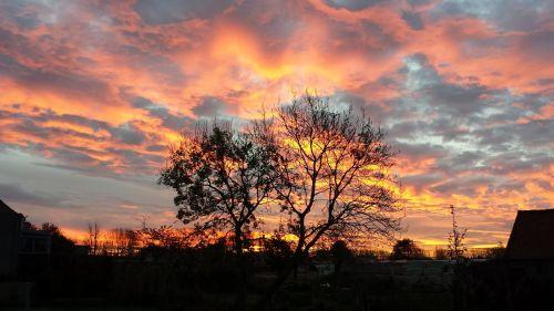 dramatiškas dangus,dangus,dramatiškas,kraštovaizdis,saulėlydis,mėlynas,scena,horizontas