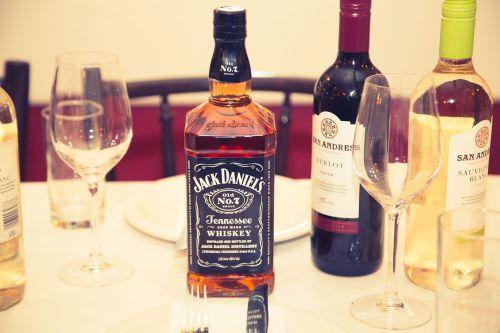gerti,viskis,stiklas,alkoholis,gėrimas,scotch,brendis,Burbonas,viskis,alkoholinis,skystas,butelis,vintage,kulka