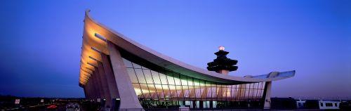 dulles,oro uostas,pastatas,oro uosto pastatas,architektūra,kontrolės bokštas,oro eismo kontrolė,bokštas,oro linijų bendrovės,stogas,klirensas,terminalas,atc unit,tarptautinis,naktis,nuotaika,usa,virginia,šiaurės valstybės,Šiaurės Amerika,carol m highsmith