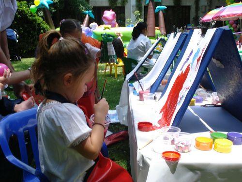 molbertai,dažyti,pramogauti vaikus