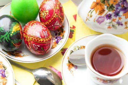 Velykos,dažyti kiaušinius,Velykų arbata