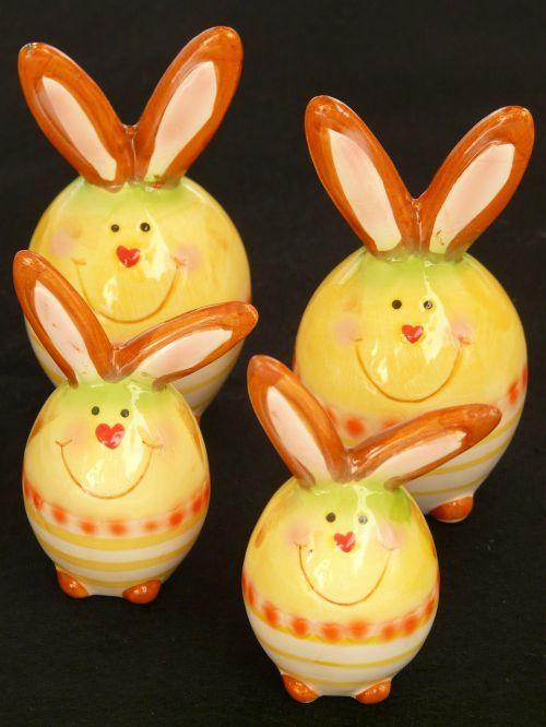 Velykos,Velyku Triusis,figūra,keramika,kiškis,porcelianas,gyvūnas,mielas,spalvinga,spalva,Velykų kiaušinių tapyba,Velykų zuikių šeima