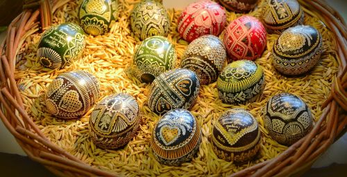 Velykų kiaušiniai,muitinės,vaško technika,dažytos,Velykinis kiaušinis,Velykos,tradicija,apdaila,amatų