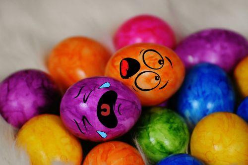 Vėlykų sekmadienis,valgyti kiaušinius,kiaušinis,spalvos,spalvinga,Velykos,Velykų kiaušiniai,Velykų lizdas,linksmų Velykų,spalvingi kiaušiniai,virti kiaušiniai,spalvoti kiaušiniai,dažyti lengvi kiaušiniai