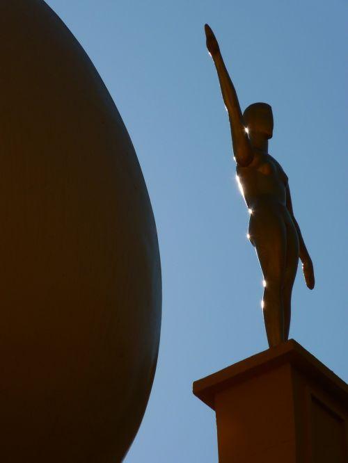 kiaušinis,figūra,muziejus,dalí,figueras,Ispanija,dangus