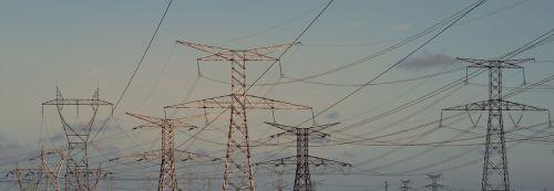 elektra,pilonas,sūnus,kabeliai,jėgos linija,aukštos įtampos,elektros kabeliai,struktūra,metalas