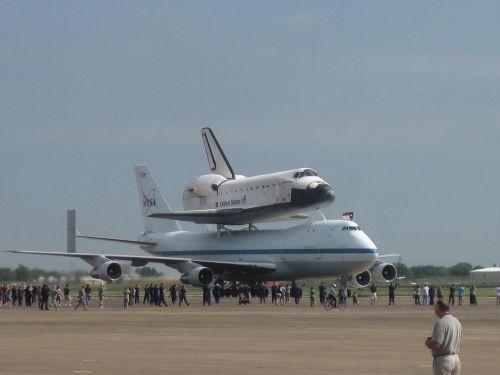 stengtis,Elingtonas,paskutinė kelionė,lėktuvas,lėktuvas,kosminis laivas,orlaivis,kelionė,transportas,oras,transporto priemonė,autobusas,aviacija,lėktuvas,skrydis,kosminis laivas