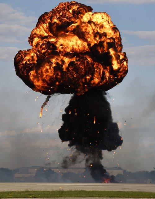 sprogimo, bolidas, nelaimė, Fleimo, naikinimas, atominės, karas