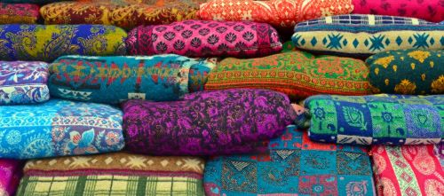 medžiaga,audinys,spalvinga,spalva,plunksnos audinys,vilnos,tekstilė,tekstilė,modelis,tekanti medžiaga,rankšluosčiai,audinys,fonas,gaudy