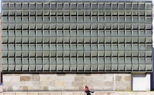 fasadas,šiuolaikiška,architektūra,namo fasadas,betono siena,betono fasadas,pastatas,miesto centras,centro,riga,latvia,baltijos valstybės