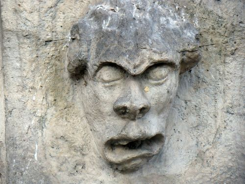 veidas,akmeniniai veidai,galvos,fontanas,skulptūra,akmuo,puodelis,charakteris,Rokas