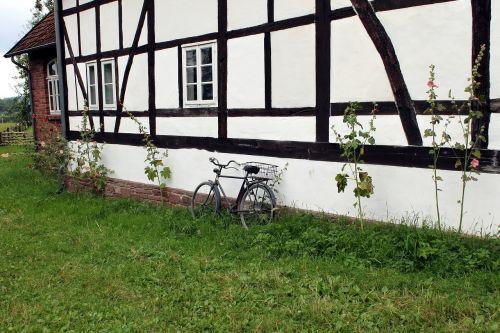 fachwerkhaus,dviratis,kaimas
